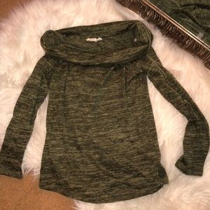 green Long sleeve off the shoulder top size small